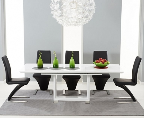 Beckley 160cm - 220cm White High Gloss Dining Table With Hereford Z Chairs
