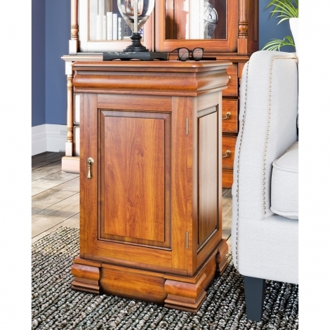 La Reine, Mahogany Lamp Table / Bedside Cabinet
